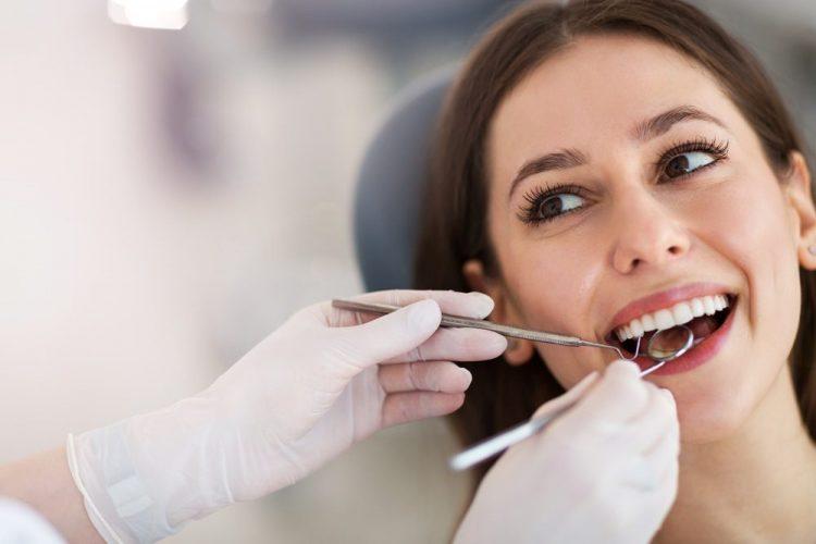 pregnant woman at dentist